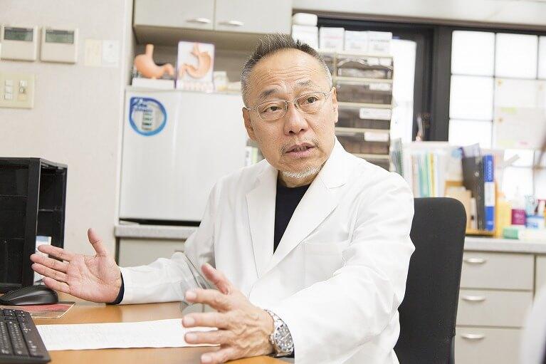 日本肝臓学会専門医の医師が診察します